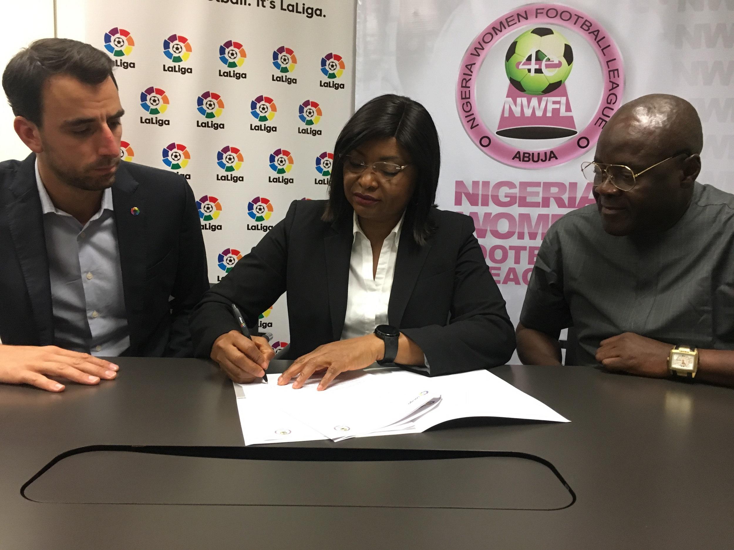 Firma del acuerdo entre LaLiga y la NWFL.