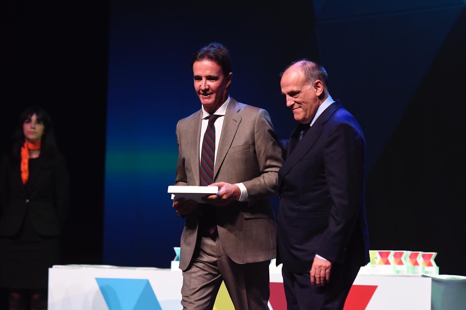 DeLaMorena-Tebas-Premio