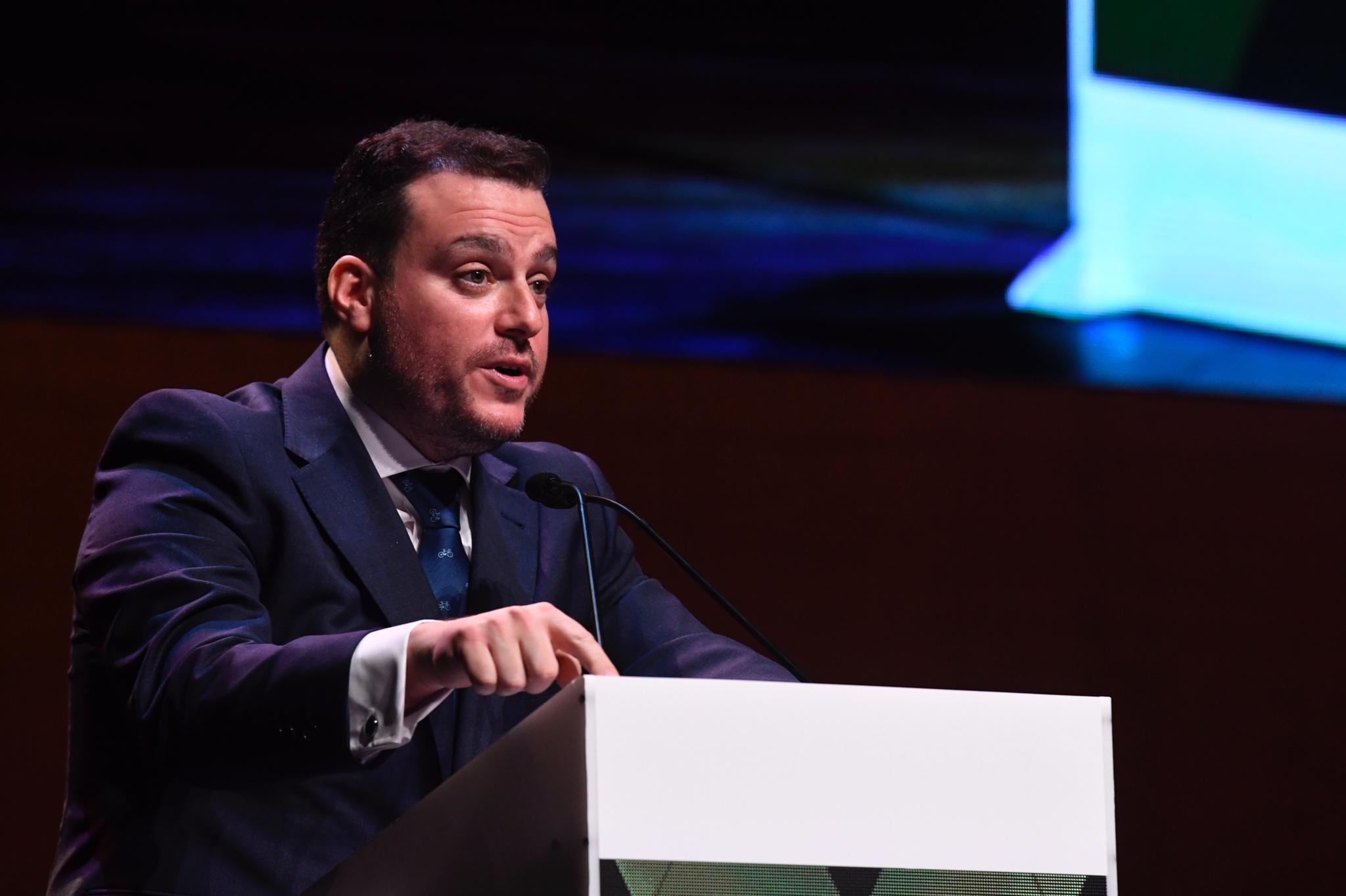 Fede Quintero, durante su discurso en la III Gala de Premios DEX.