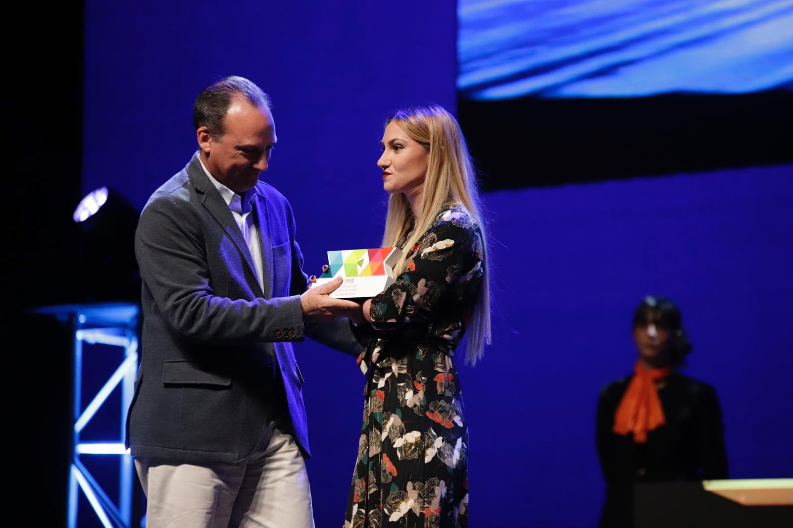 Premio DEX a Sarai Gascón
