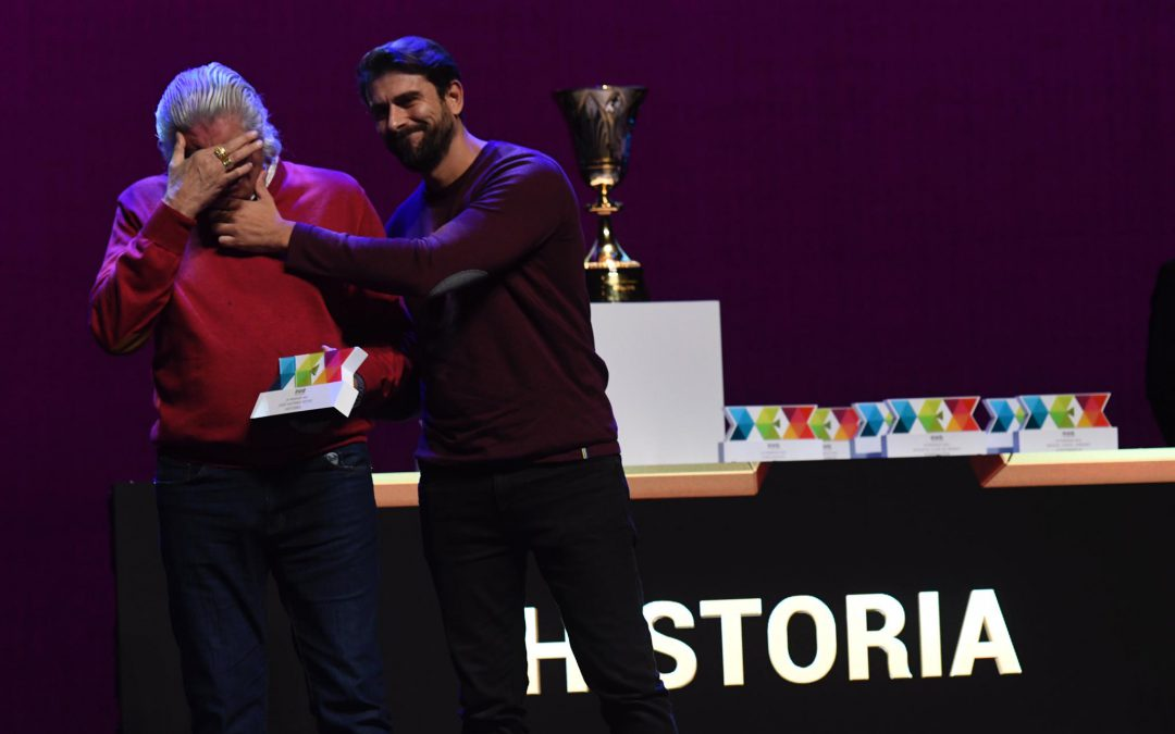 Un momento sin igual: las lágrimas del padre de José Antonio Reyes al recoger el Premio DEX de su hijo